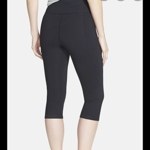 NYDJ Fit Solution Trainer cropped leggings black S